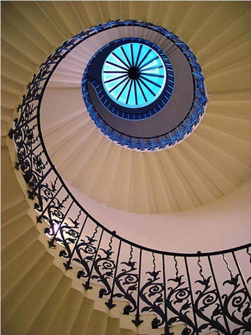 おしゃれで変わったかっこいい階段009
