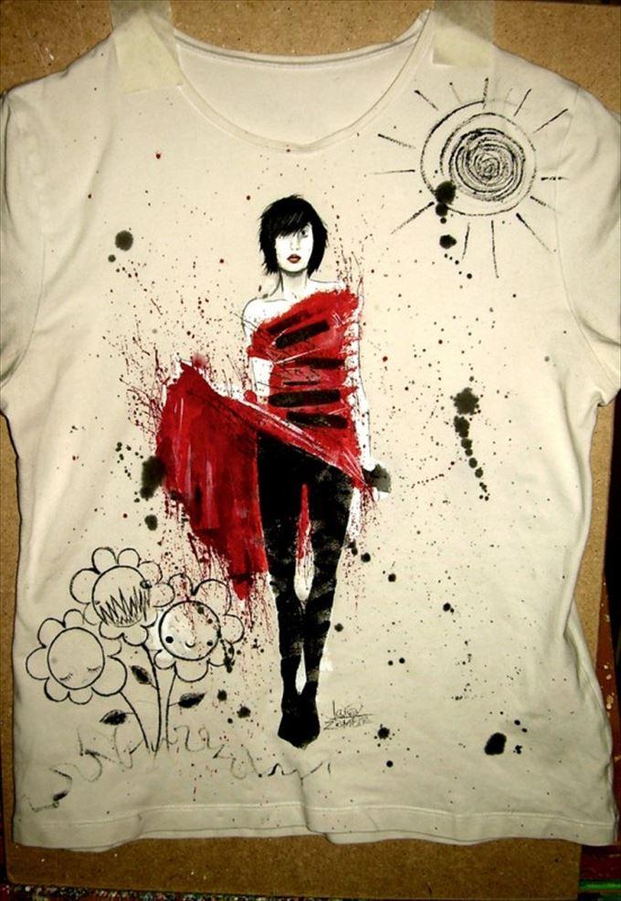 変わったTシャツ17