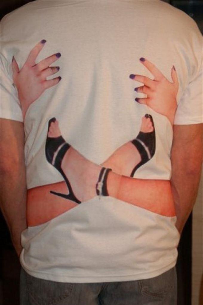 変わったTシャツ39