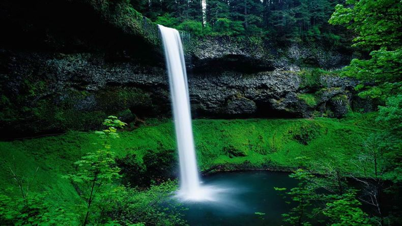美しい滝画像 10
