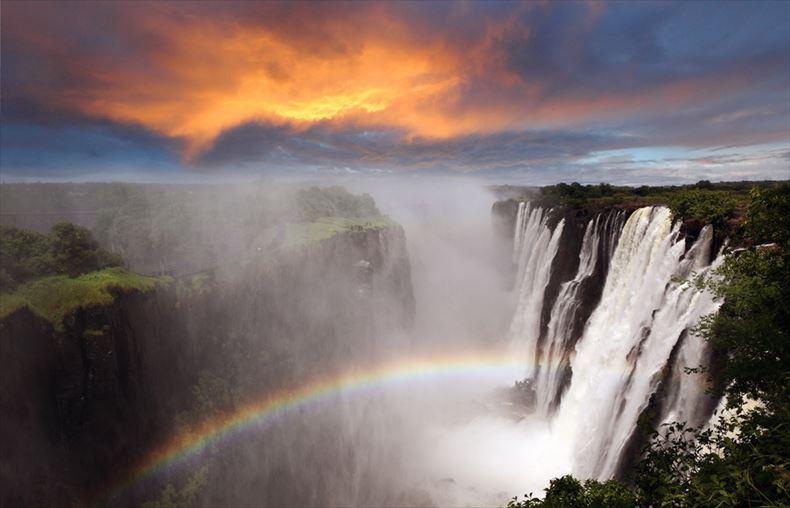 美しい滝画像 14