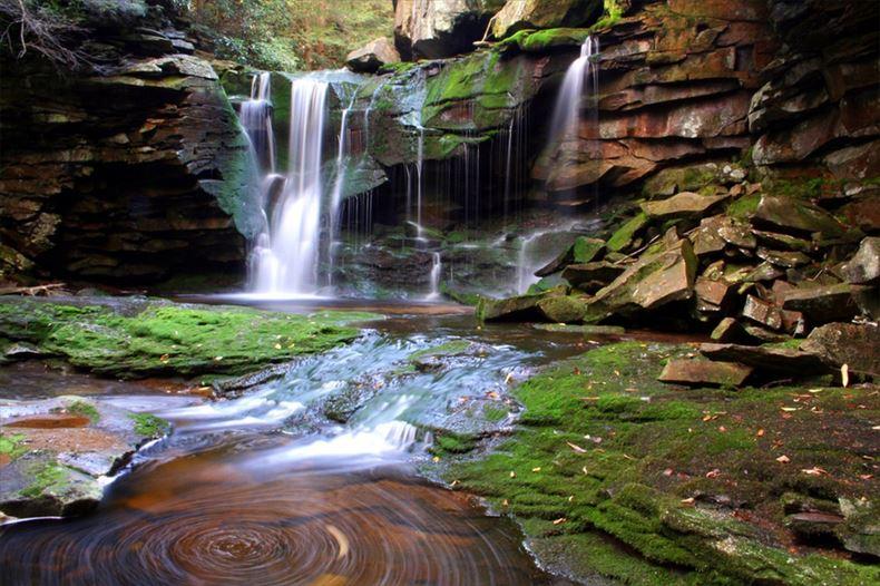 美しい滝画像 2