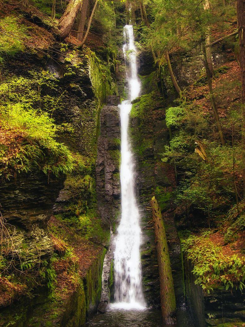 美しい滝画像 9