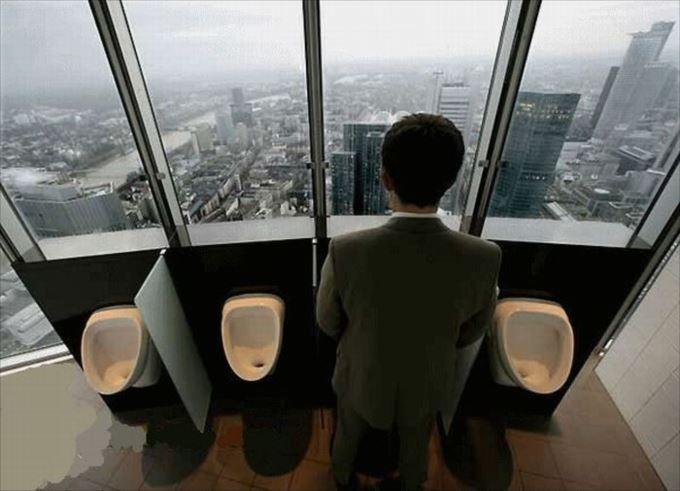 世界の変わったトイレ65