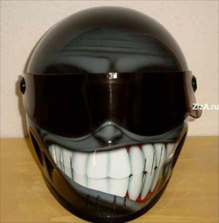変わったヘルメット28