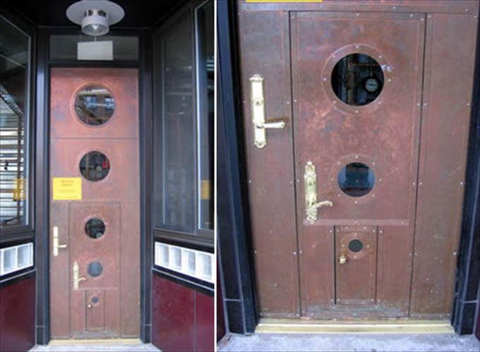 変わったドア28