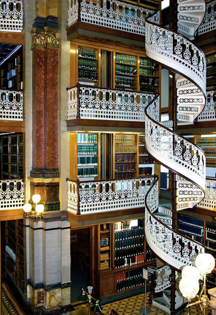 美しい図書館 13