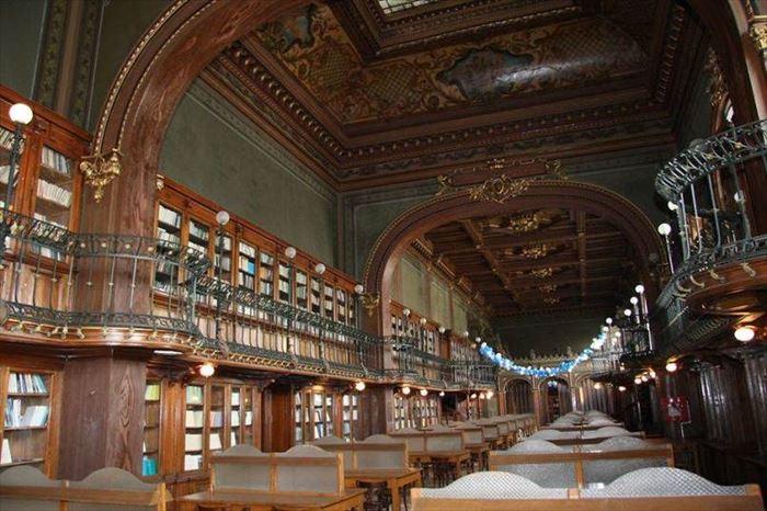美しい図書館 19