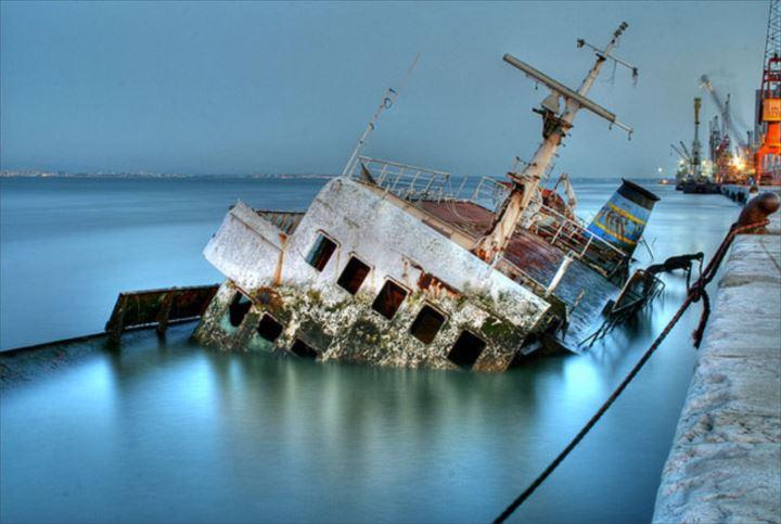 難破船画像 17