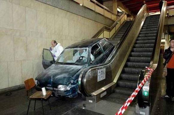危険運転・駐車 24