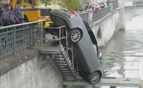 危険運転・駐車 25