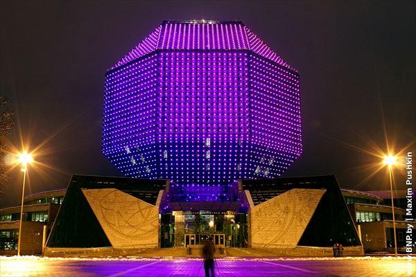 変な建物 17.0