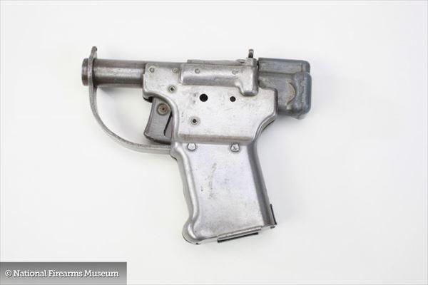 世界の銃 32
