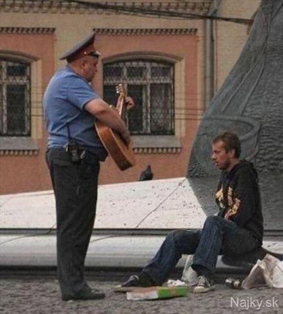 警察官画像 46