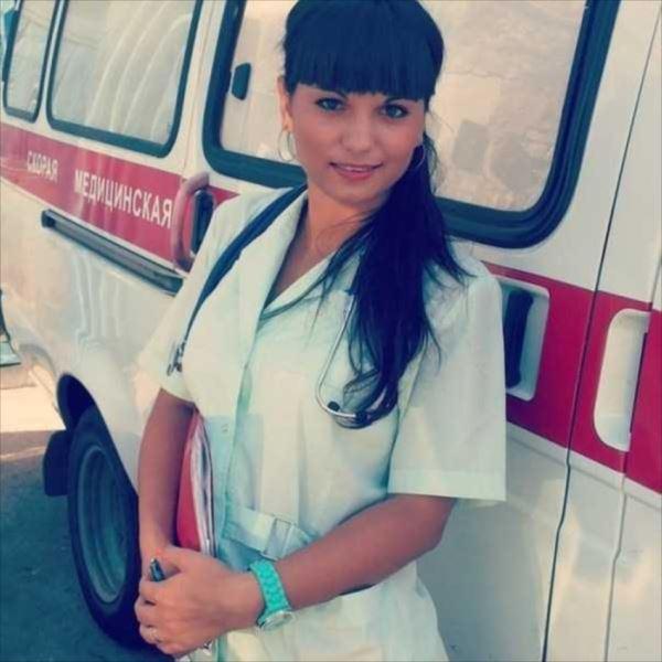 美人女医画像 20