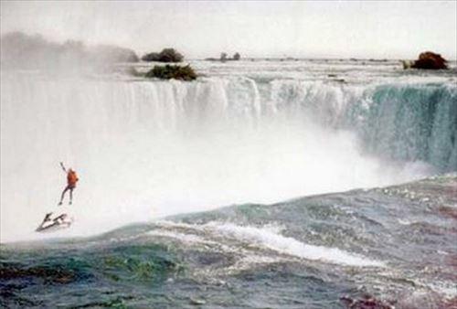落ち 滝 ナイアガラ た の